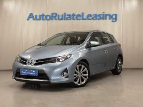 Cumpara Toyota Auris Hybrid 2014 de pe autorulateleasing.ro