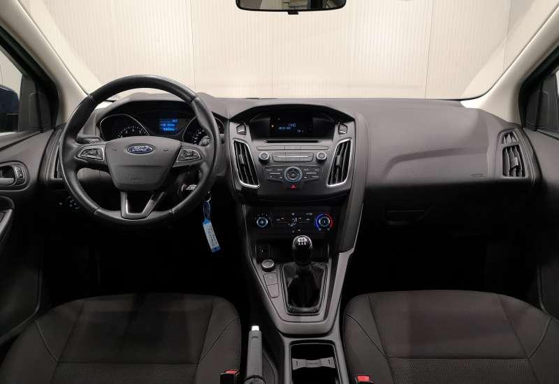 Cumpara Ford Focus 2017 cu 39,067 kilometrii   posibilitate leasing