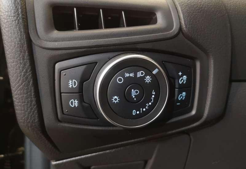 Cumpara Ford Focus 2017 cu 144,979 kilometri   posibilitate leasing