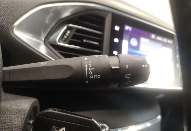Cumpara Peugeot 308 2016 cu 148,599 kilometri   posibilitate leasing