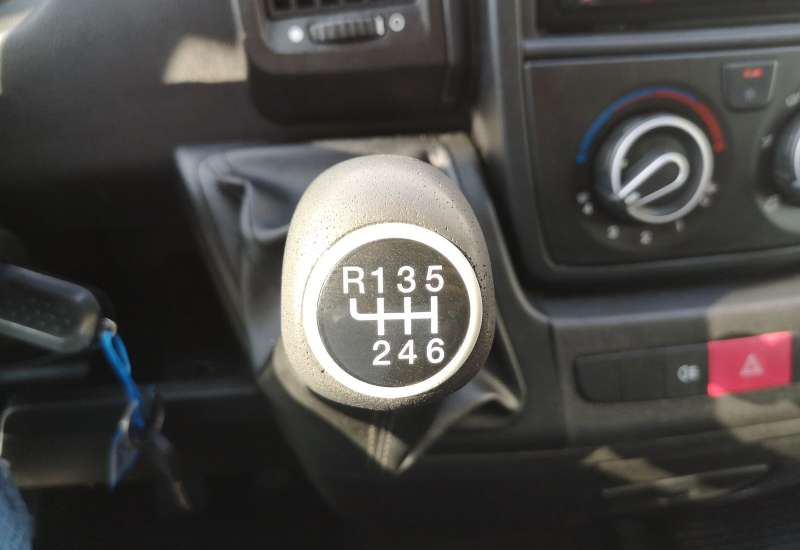 Cumpara Peugeot Boxer 2014 cu 87,560 kilometrii   posibilitate leasing