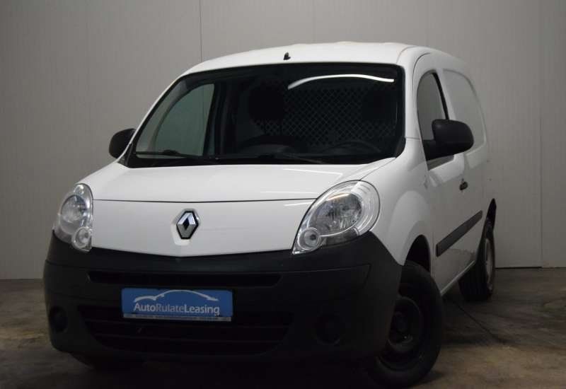 Cumpara Renault Kangoo 2013 cu 97,454 kilometrii  cu garantie 6 luni  posibilitate leasing