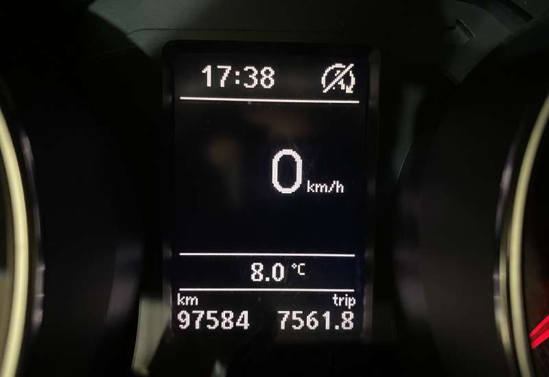 Cumpara Volkswagen Jetta 2016 cu 97,584 kilometri   posibilitate leasing