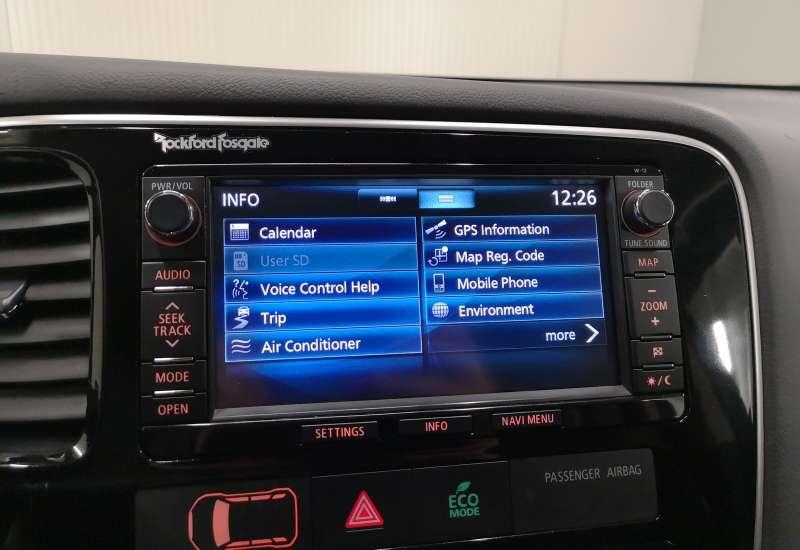 Cumpara Mitsubishi Outlander PHEV 2014 cu 144,399 kilometrii   posibilitate leasing
