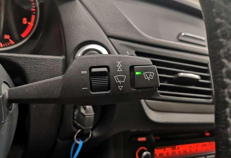 Cumpara BMW X1 2011 cu 221,221 kilometrii