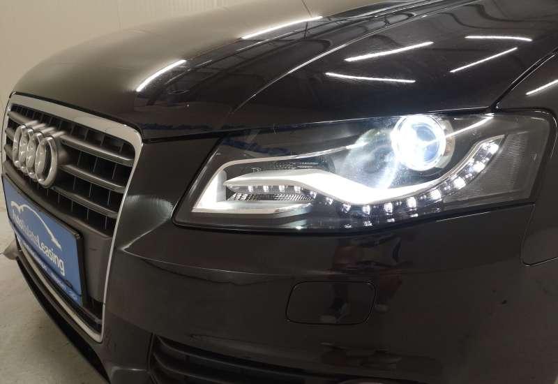 Cumpara Audi A4 2009 cu 136,470 kilometrii  cu garantie 6 luni