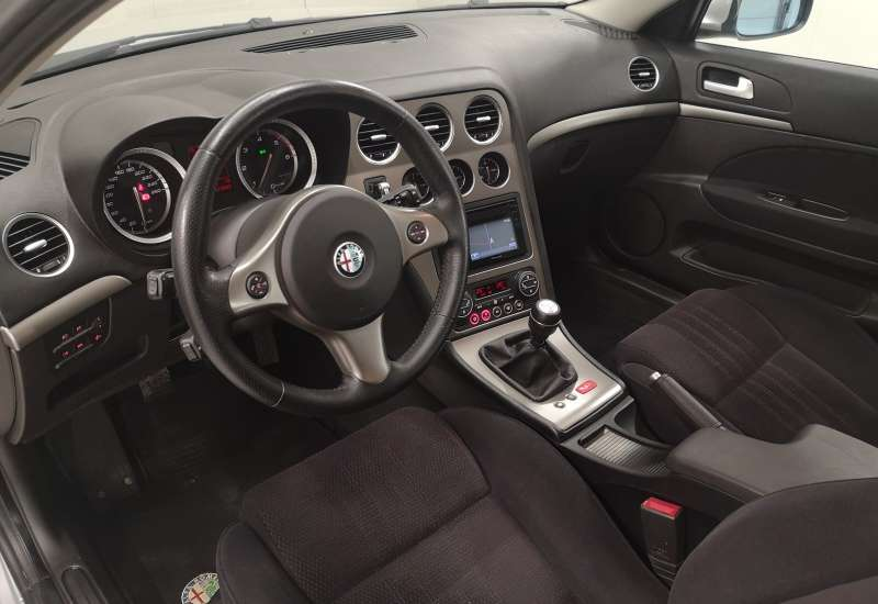 Cumpara Alfa Romeo 159 2010 cu 178,082 kilometrii