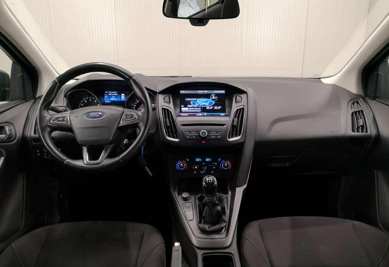 Cumpara Ford Focus 2014 cu 82,809 kilometrii   posibilitate leasing