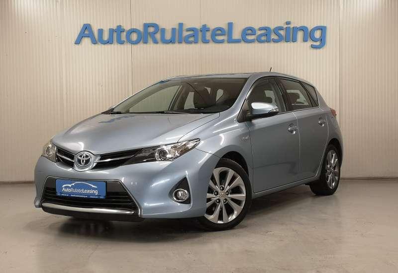Cumpara Toyota Auris Hybrid 2014 cu 146,498 kilometrii   posibilitate leasing