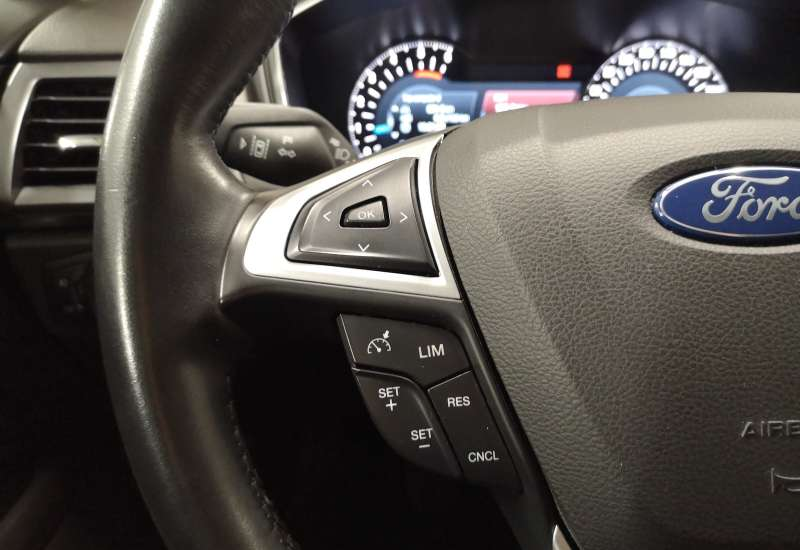 Cumpara Ford Mondeo 2015 cu 148,849 kilometrii   posibilitate leasing