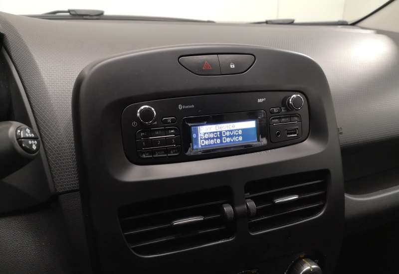 Cumpara Renault Clio 2016 cu 85,116 kilometrii   posibilitate leasing