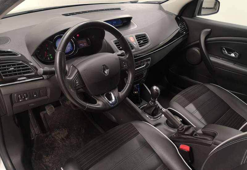 Cumpara Renault Megane 2015 cu 88,807 kilometrii   posibilitate leasing