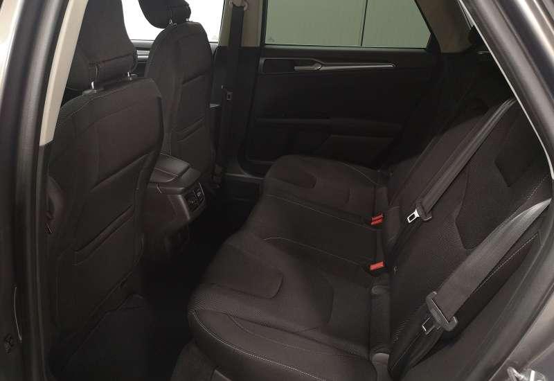 Cumpara Ford Mondeo 2015 cu 182,864 kilometrii   posibilitate leasing