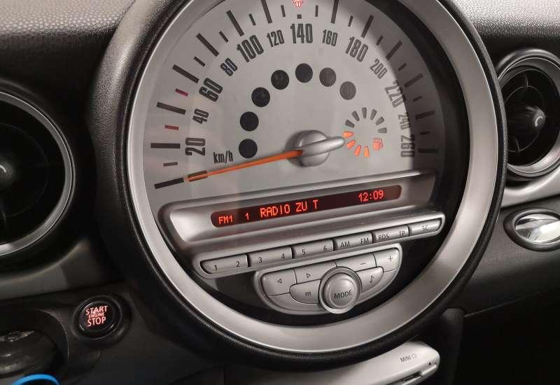 Cumpara MINI ONE 2010 cu 149,669 kilometri