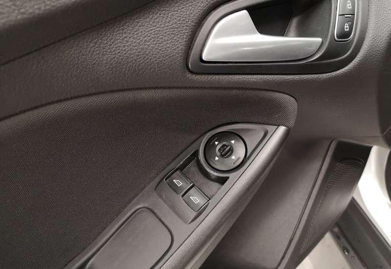 Cumpara Ford Focus 2016 cu 144,629 kilometrii   posibilitate leasing