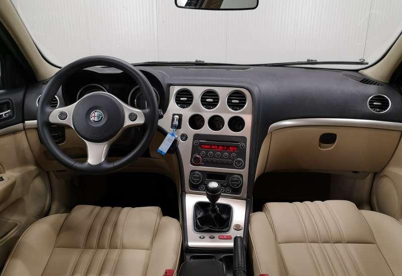 Cumpara Alfa Romeo 159 2006 cu 186,134 kilometrii  cu garantie 6 luni