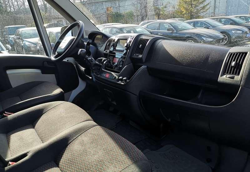 Cumpara Peugeot Boxer 2015 cu 128,886 kilometrii   posibilitate leasing