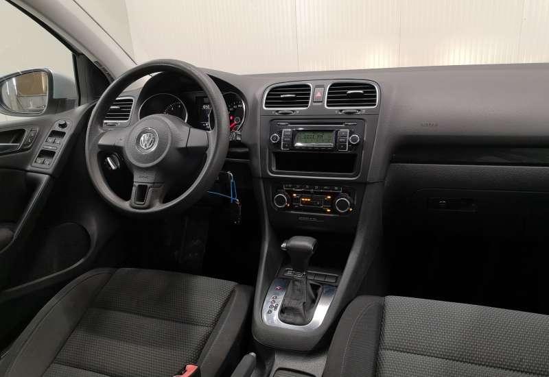 Cumpara Volkswagen Golf 2009 cu 175,400 kilometrii  cu garantie 6 luni