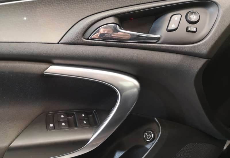 Cumpara Opel Insignia 2015 cu 63,818 kilometrii   posibilitate leasing