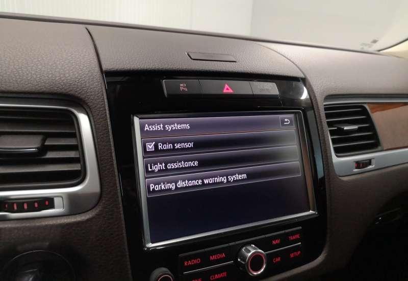 Cumpara Volkswagen Touareg 2012 cu 177,531 kilometrii   posibilitate leasing