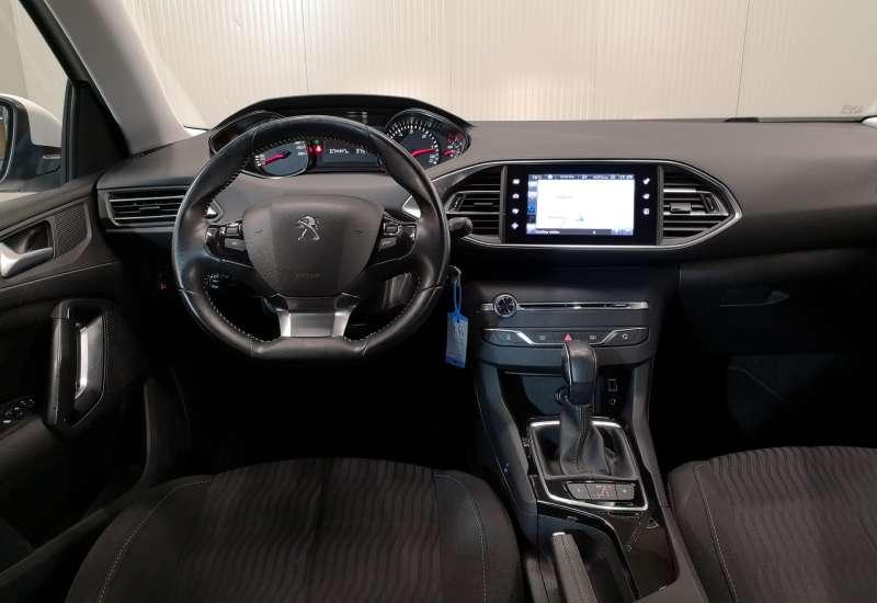 Cumpara Peugeot 308 2016 cu 74,447 kilometrii   posibilitate leasing