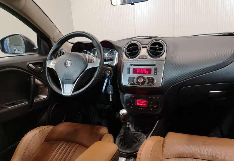Cumpara Alfa Romeo Mito 2009 cu 172,236 kilometrii  cu garantie 6 luni