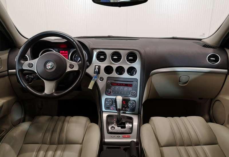 Cumpara Alfa Romeo 159 2008 cu 109,902 kilometri  cu garantie 6 luni