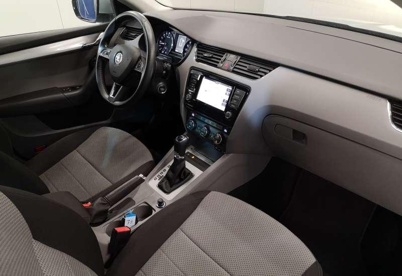 Cumpara Skoda Octavia 2015 cu 143,440 kilometrii   posibilitate leasing