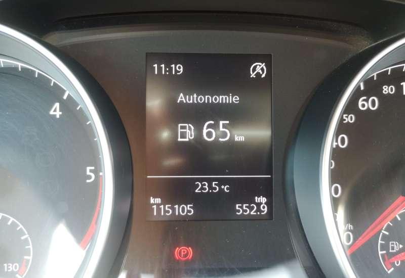 Cumpara Volkswagen Golf 2016 cu 115,105 kilometrii   posibilitate leasing