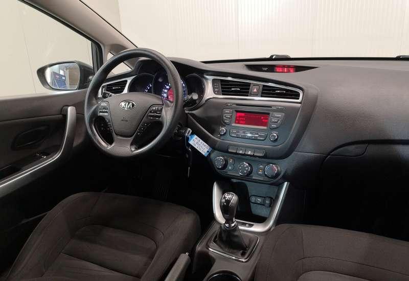 Cumpara Kia Ceed 2015 cu 110,657 kilometri   posibilitate leasing