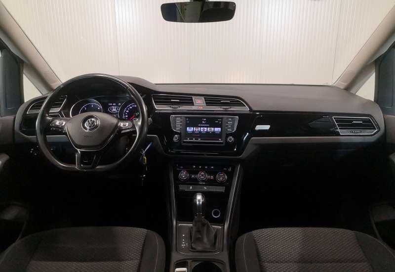 Cumpara Volkswagen Touran 2016 cu 159,264 kilometri   posibilitate leasing