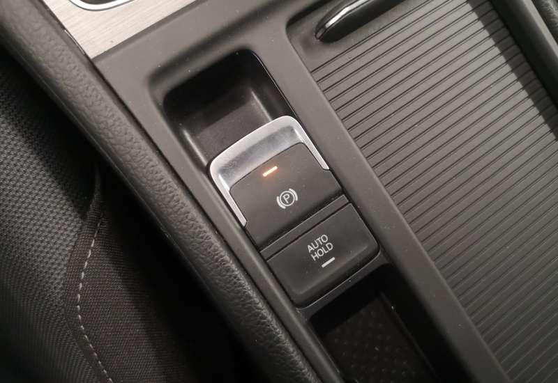 Cumpara Volkswagen Golf 2016 cu 76,678 kilometri   posibilitate leasing