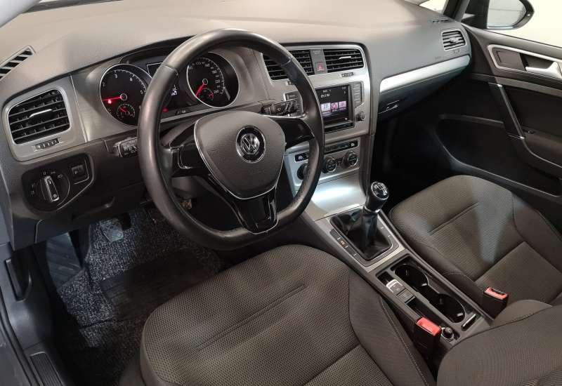 Cumpara Volkswagen Golf 2016 cu 129,143 kilometri   posibilitate leasing