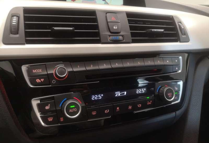 Cumpara BMW Seria 3 2016 cu 66,912 kilometri   posibilitate leasing