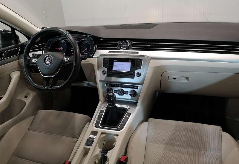Cumpara Volkswagen Passat 2016 cu 97,681 kilometri   posibilitate leasing