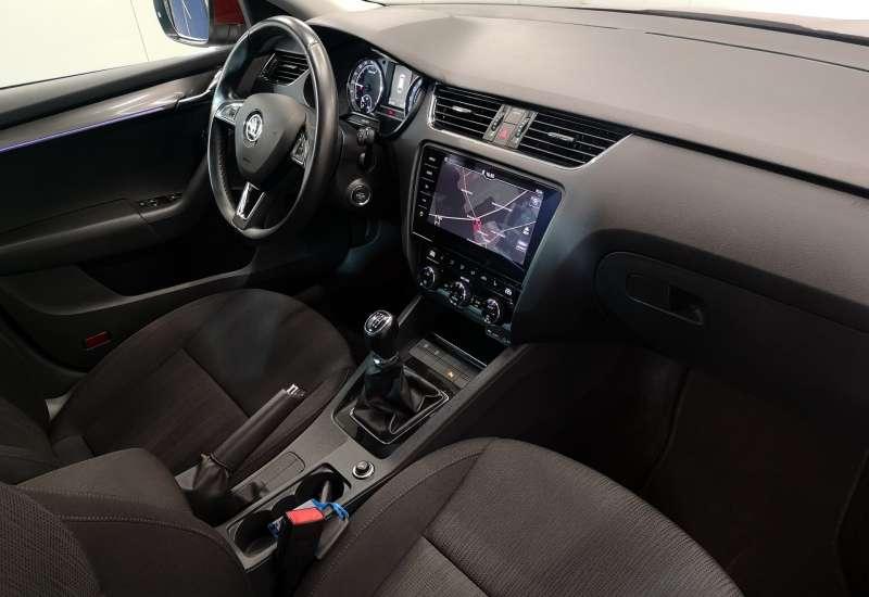 Cumpara Skoda Octavia 2017 cu 201,902 kilometri   posibilitate leasing
