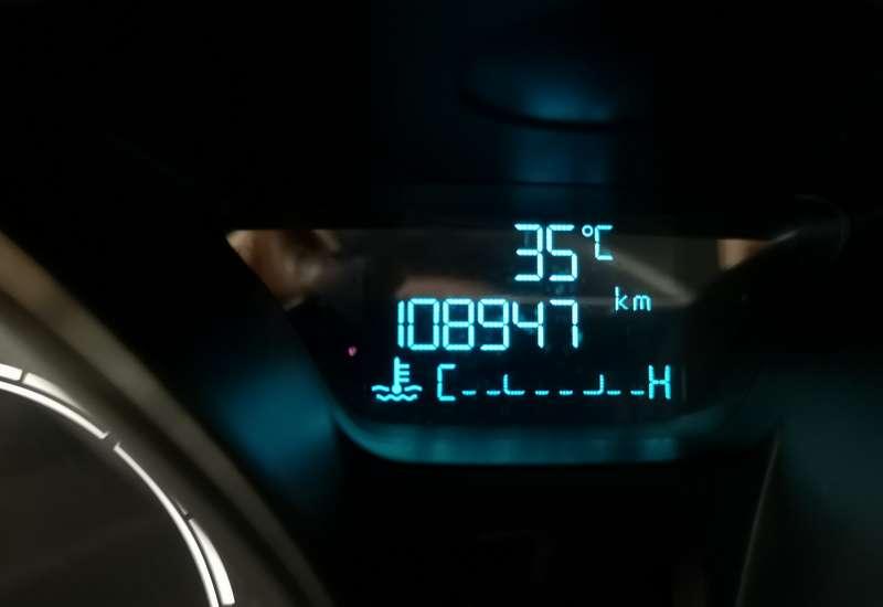 Cumpara Ford Fiesta 2015 cu 108,947 kilometri   posibilitate leasing