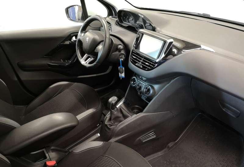 Cumpara Peugeot 208 2016 cu 104,987 kilometri   posibilitate leasing