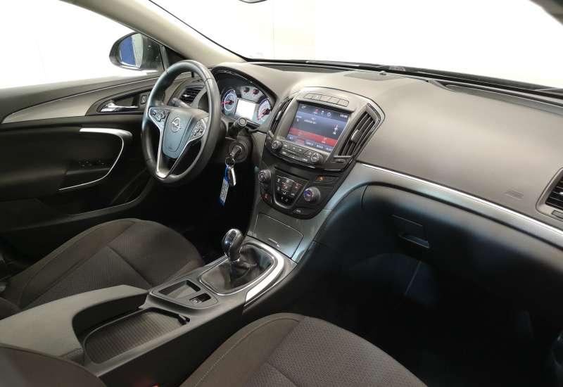 Cumpara Opel Insignia 2015 cu 75,313 kilometri   posibilitate leasing