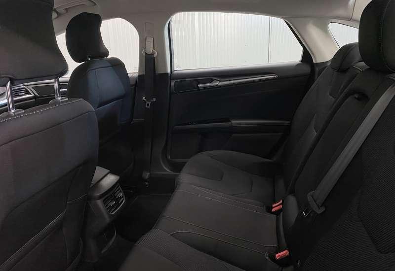 Cumpara Ford Mondeo 2016 cu 41,406 kilometri   posibilitate leasing