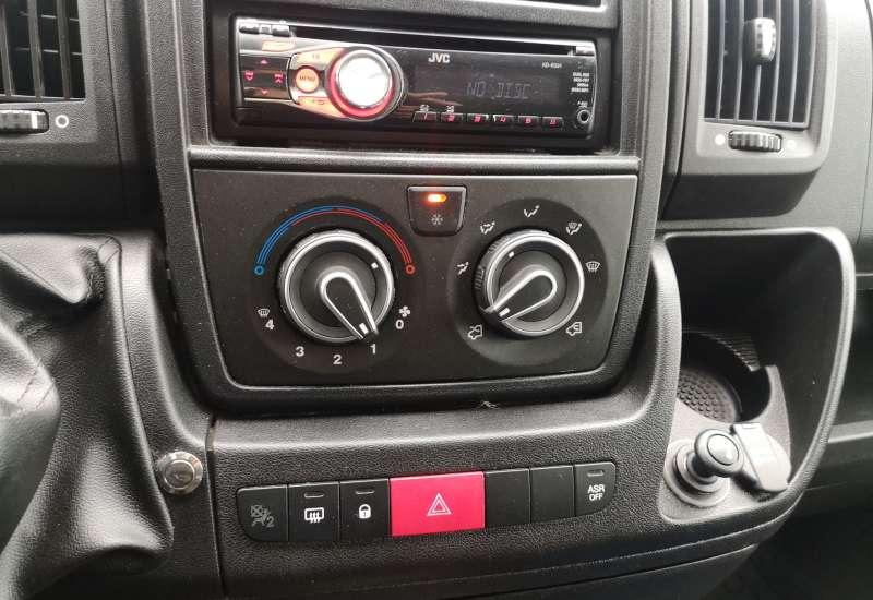 Cumpara Peugeot Boxer 2014 cu 96,790 kilometrii   posibilitate leasing