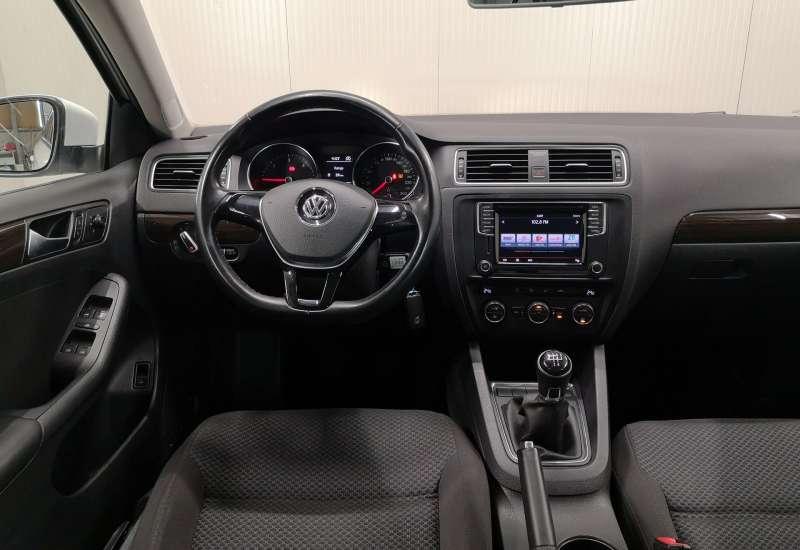 Cumpara Volkswagen Jetta 2016 cu 144,307 kilometrii   posibilitate leasing