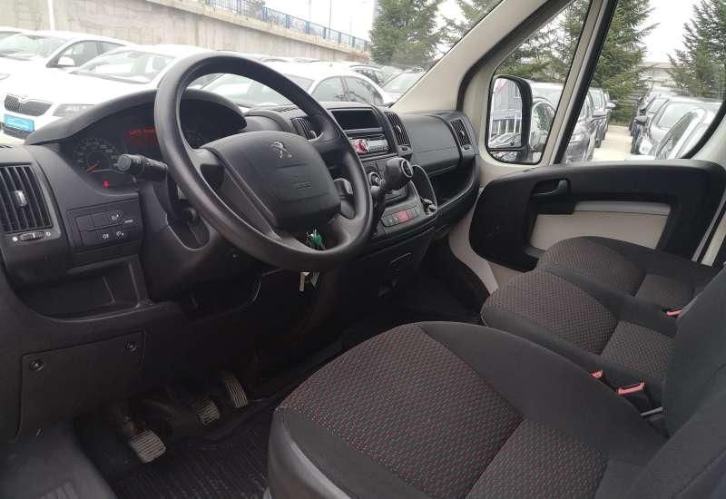 Cumpara Peugeot Boxer 2014 cu 110,110 kilometrii   posibilitate leasing