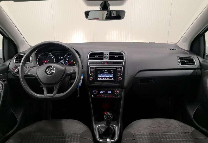 Cumpara Volkswagen Polo 2015 cu 65,900 kilometrii   posibilitate leasing
